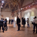 Vernissage Into The White